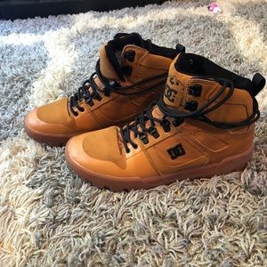 Water Resistant boots/Shoes
